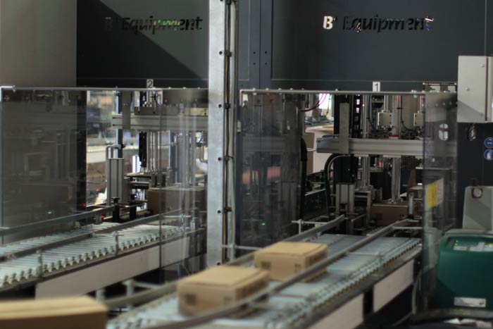 Maxicoffee - machine de fermeture des cartons